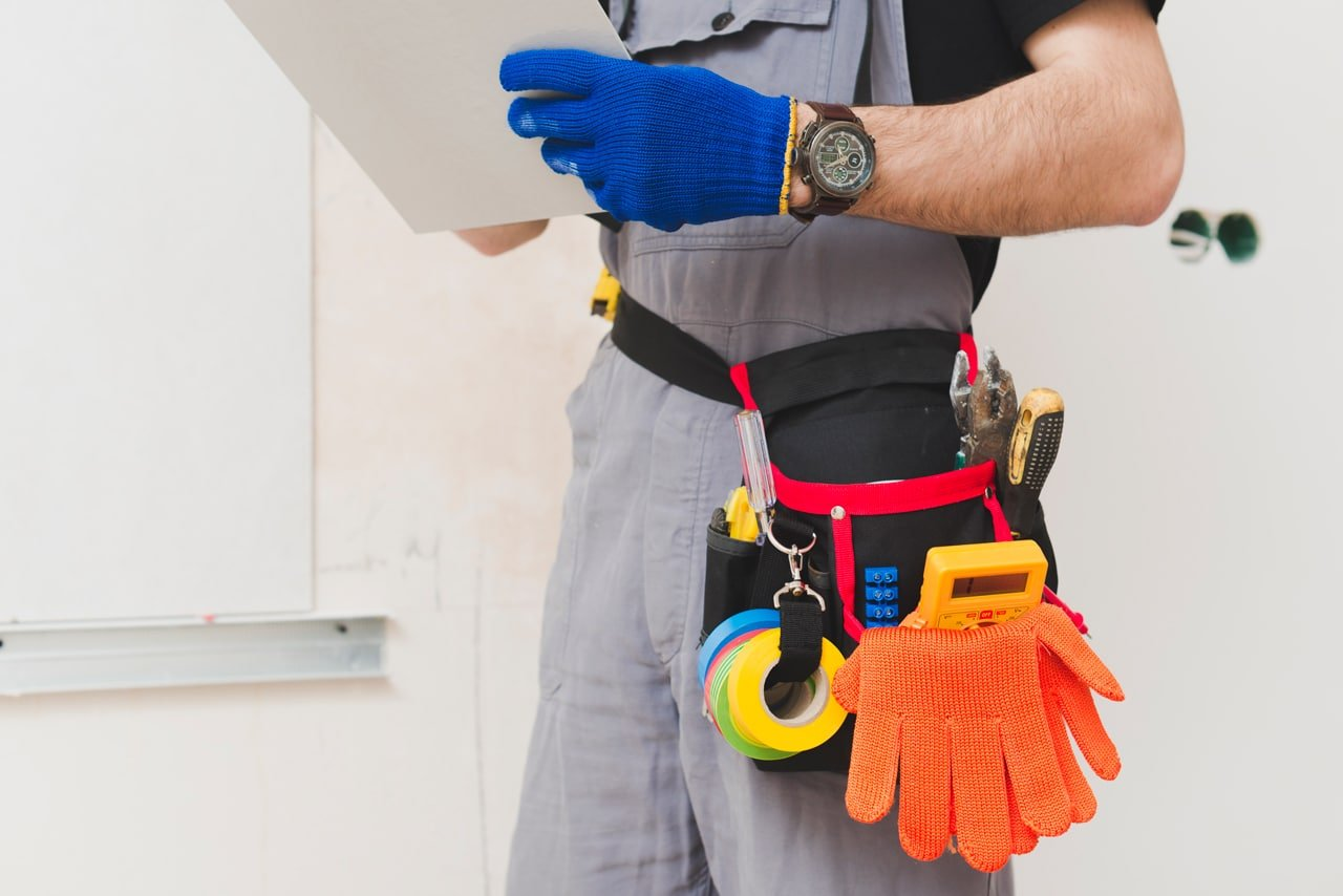 Garage Door Maintenance: 4 Tips For a Long Life