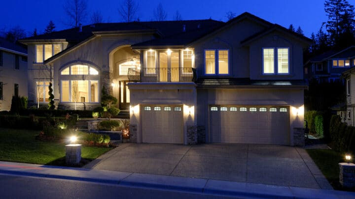 How to Choose a Garage Door