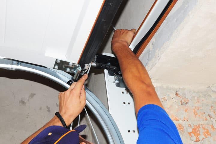 Garage Door Repair in South Ottawa